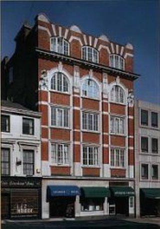 Kensington Church Street, West London, West London, W8 4DB