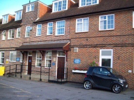 Middleton Road, South West London, SM4 6RW