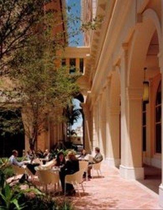 Ponce de Leon Boulevard, Coral Gables, Coral Gables, 33134-6012