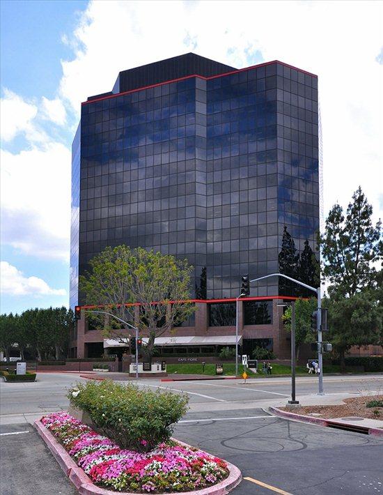 Oxnard Street, San Fernando Valley, San Fernando Valley, 91367-7109