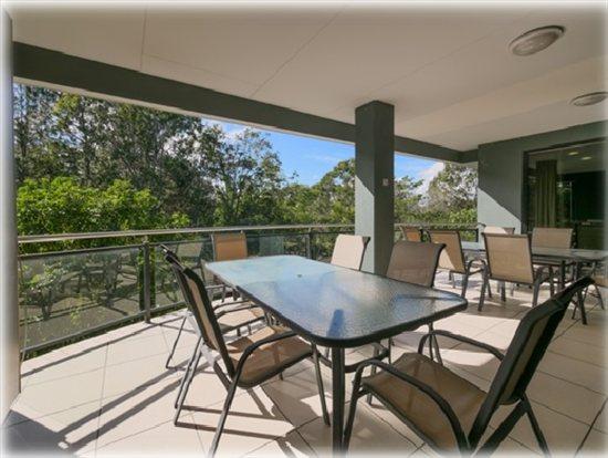 Pacific Highway, Loganholme, South Brisbane, 4129