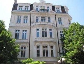 Kuzman Shapkarev Street, 1000
